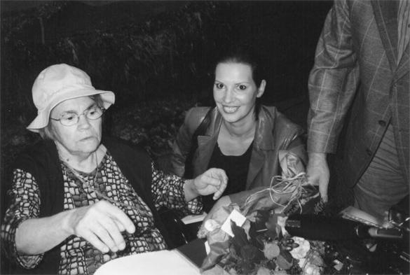 Elisabeth Alexander, Beatrix Binder